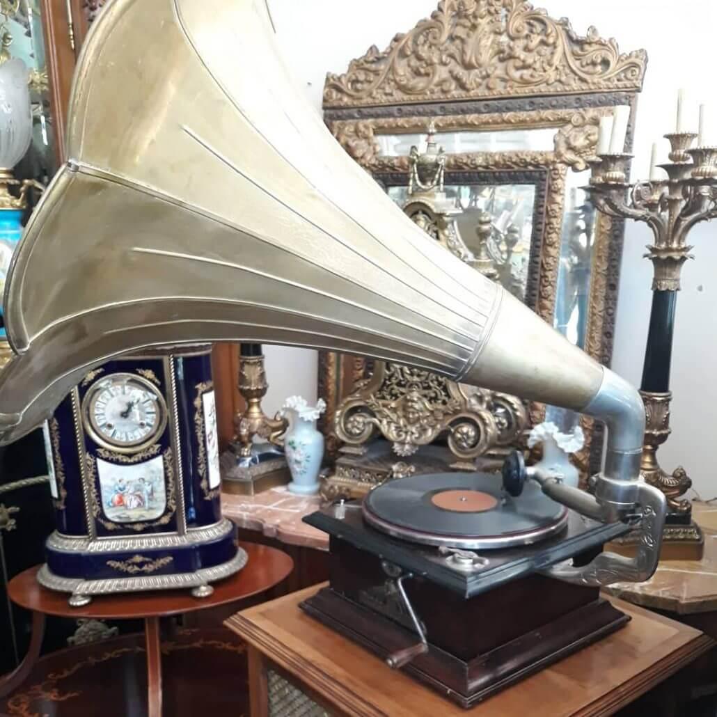 Gümüş Antika Gramafon